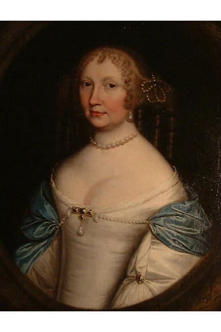 P28: Elizabeth Leslie